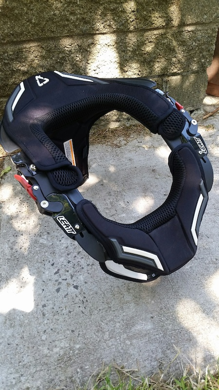 2014 Leatt DBX Comp 3 Neck Brace