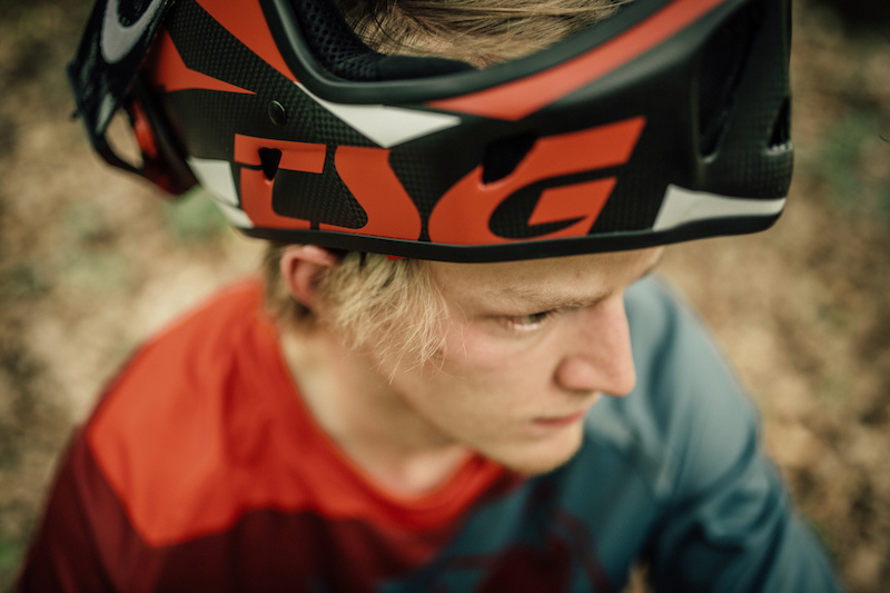 Perfect mix and match with our helmet line. The Advance full-face helmet matches the colors of our Rush DH Shirt.