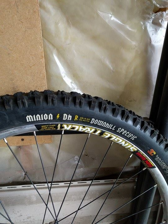 0 Single Track wheels with Minion HD Downhill Tires