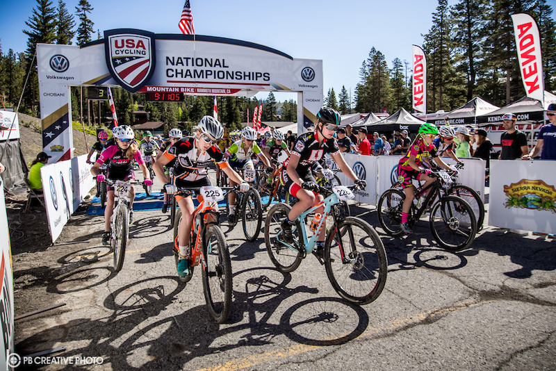 The Women s Cat 2 3 15-18 class takes the start.