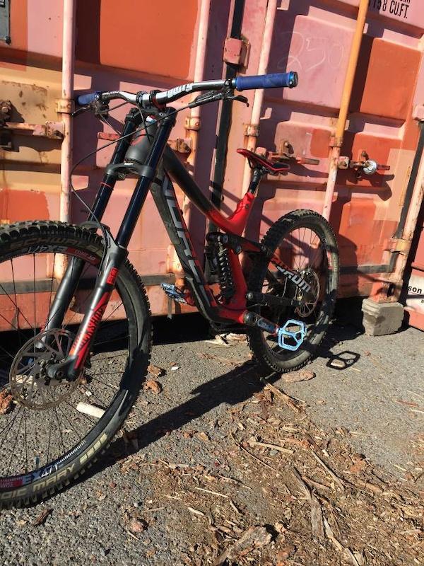 2016 Norco Aurum C 7.2 Carbon Downhill Bike W/ Upgrades