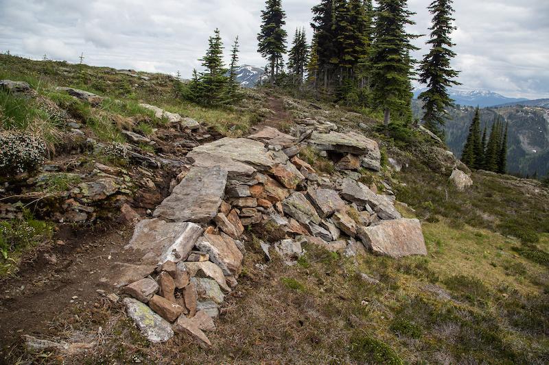 Rock bridge on South Caribou Pass trail.