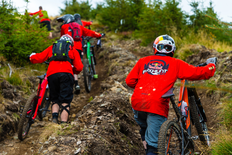 Participants make their way up at the Red Bull Foxhunt 2015 in Rostrevor Ireland on October 4th 2015 Grant Gunderson Red Bull Content Pool P-20151006-00328 Usage for editorial use only Please go to www.redbullcontentpool.com for further information.