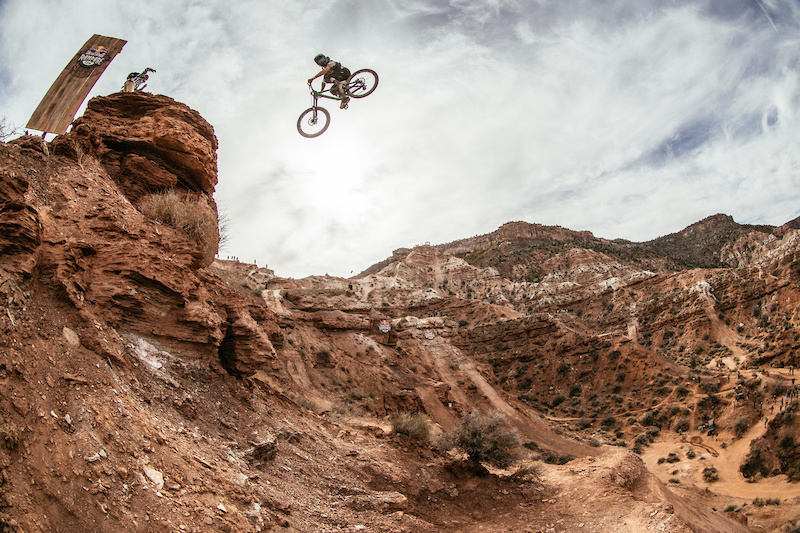 Red Bull Rampage >> Red Bull Rampage Releases 2018 Wild Card Athlete Roster For