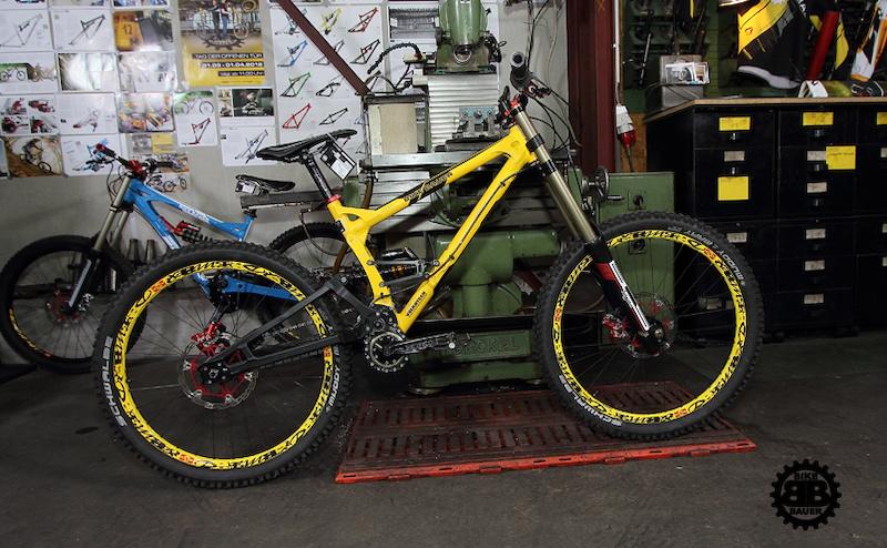 Nucleon Evo - Past Bike Bauer team bike