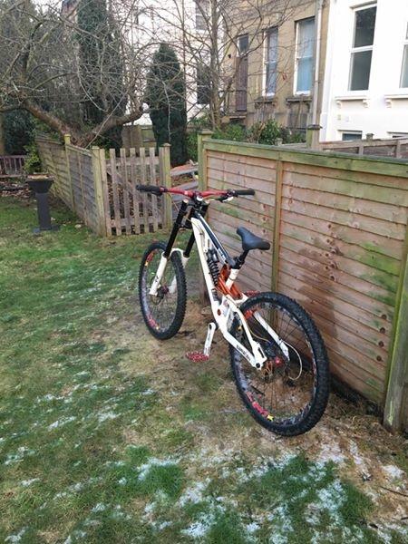 2012 Saracen Myst Pro Downhill Bike