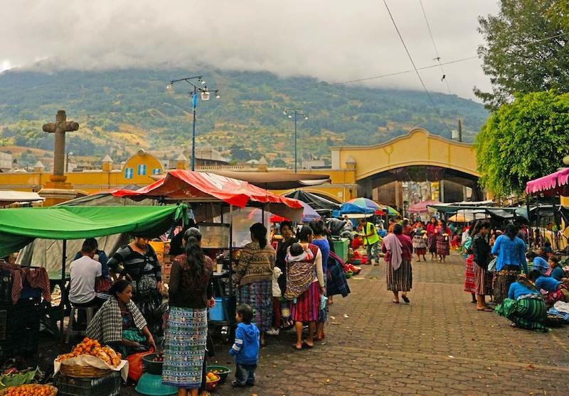 Open air market at Santa Maria de Jesus.