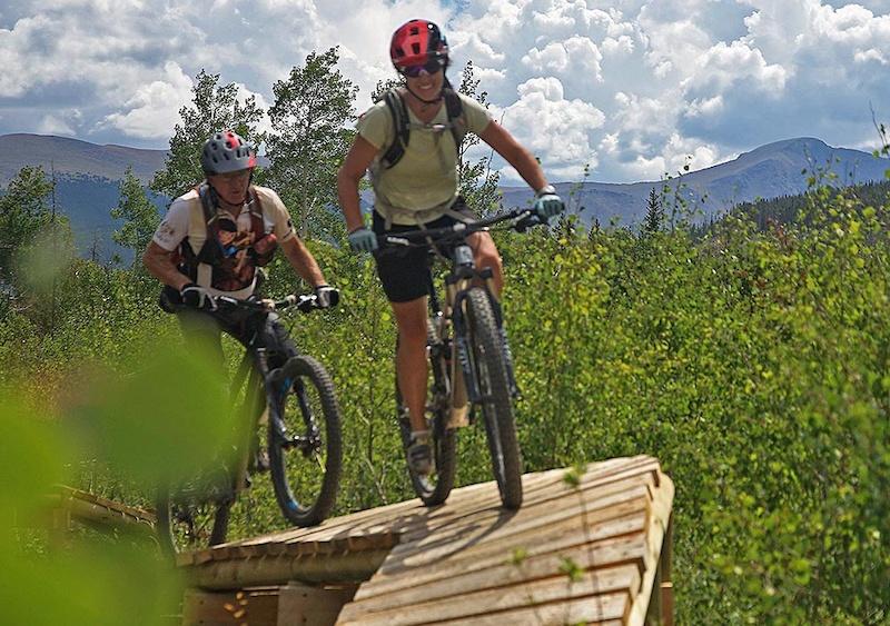 Some fun optional play stunts on this two way trail - Sundog