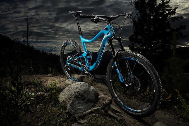 Meet your trail blazer. Discover more at www.giant-bicycles.com us bikes-trance-advanced.