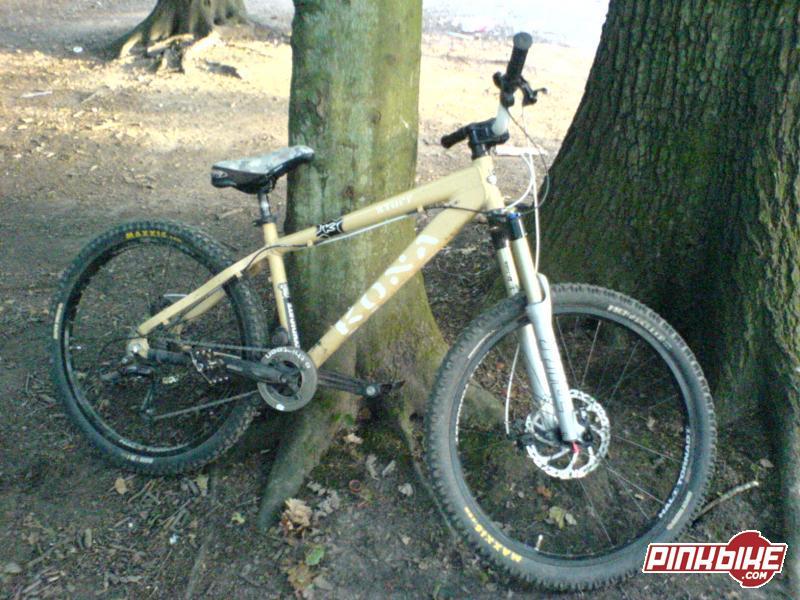 My bike with luuuush new Rock Shox 426 U - turn Pikes