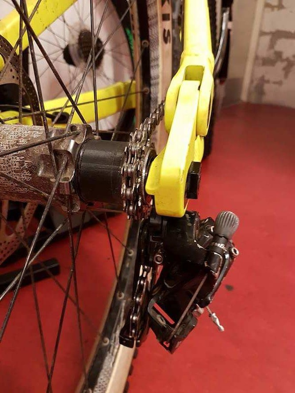 Single speed setup. Three cogs barrel adjuster. 3D printed cassette spacer from hairy g
