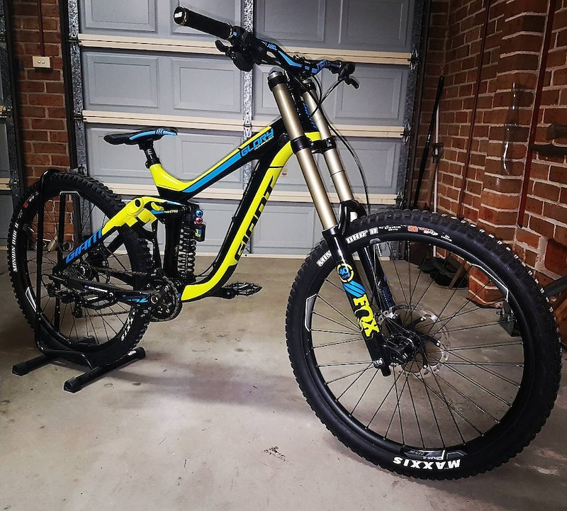 Diety i-beam retina seatpost Deity i-beam sidetrack Deity blacklabel 800mm bars Odi- rogue grips Fitted icetech pads and 203mm rotors front and rear Gloss invisiframe done highly recommend this product Dmr vault pedals fitted Fitting up a super alloy racing rear spring next and ill be happy i think..