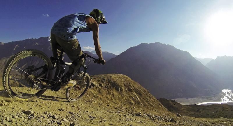Spiti Awakening . Photo Vinay Menon. Psynyde Bikes Haul Apparel India Freerider Mountain Bike Magazine Loose Riders India Sharptune www.vinaymenon.com