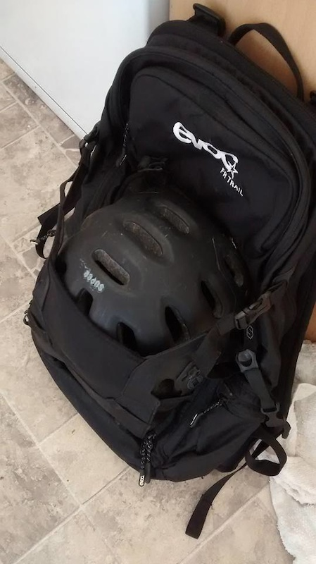 2016 Evoc FR Trail 20L Spine protector backpack