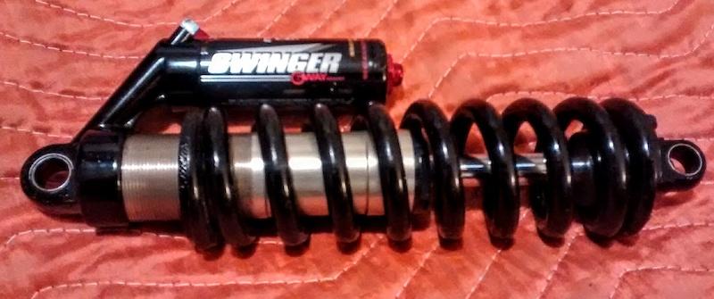 Manitou swinger 3 way rear shock