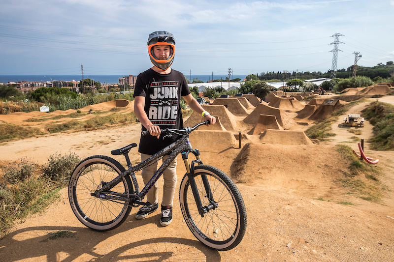 Junkride Trip with Viktor Podstavek Barcelona 2017