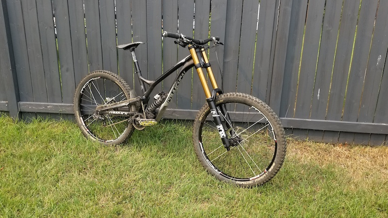 Commencal DH V4.2. Full Raceface X01 7 Spd Float 40 Soon to be Float X2