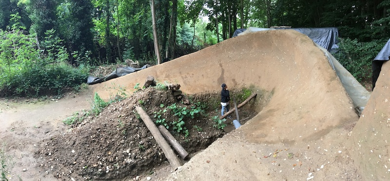 The UK s Leatherhead Trails and more - Worth It S01 EP17 - Video