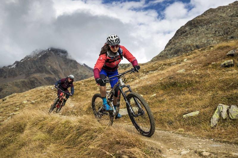 Trail down from Gavia Pass to Santa Caterina