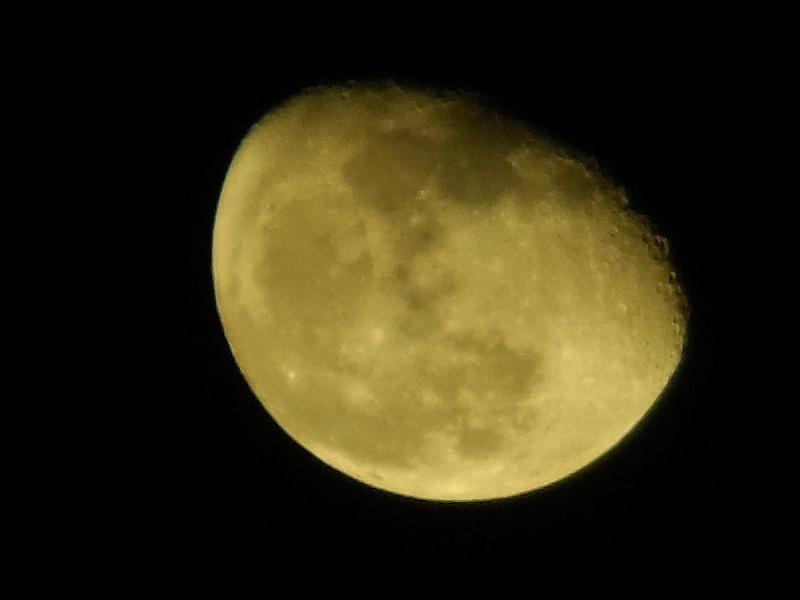 finally was able to take some moon pics