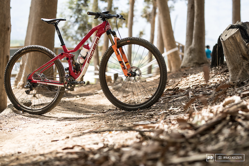 The brand new Thömus Lightrider fully which Lukas & Matthias Flückiger, Alessandra Keller and Kathrin Stirnemann will be riding. Not all riders will be able to ride the new bike in Stellenbosch as it just entered production.