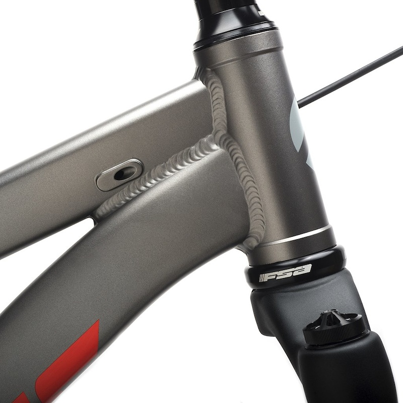 Internal cable routing standard derailleur hanger sold separately