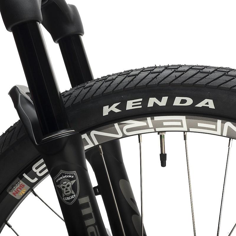 Kenda Kranium 26 x 2.1 tires