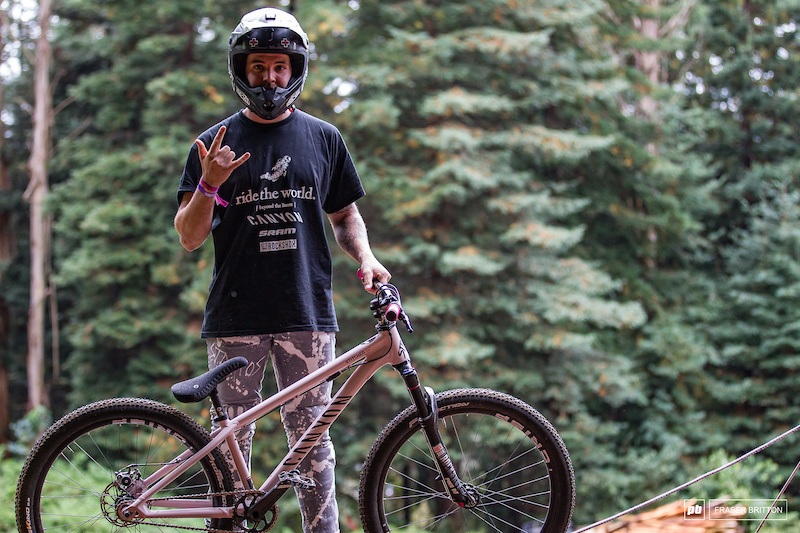 Thomas Lemoine and his Canyon Stitched hardtail.