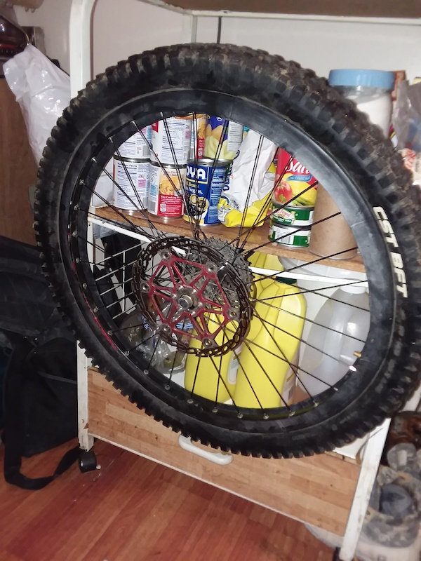 Ghetto tubeless with 20 inch tube and 2oz stans no tubes