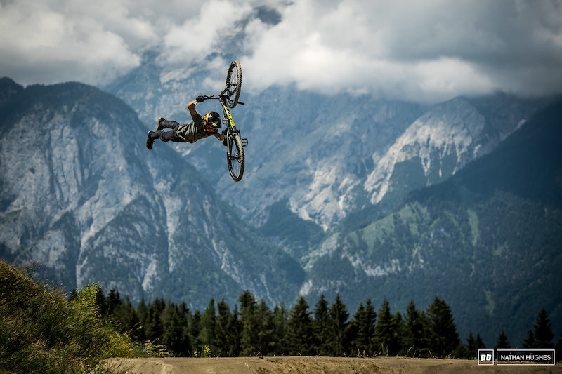 Replay: Dual Speed and Style - Crankworx Les Gets 2018 - Pinkbike