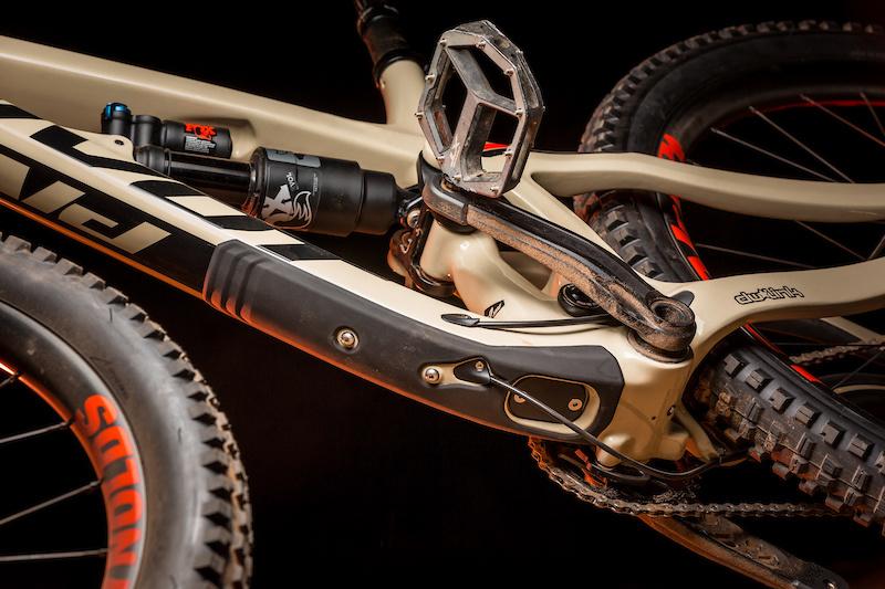 First Ride: Pivot's New Firebird 29 - Pinkbike