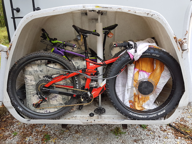 Bikes Online Canada >> Komo hitch mount enclosed bike carrier For Sale
