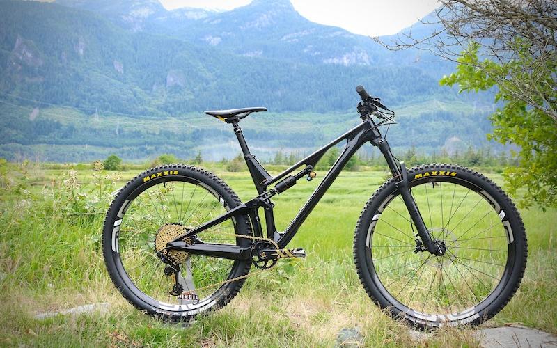 bra mountainbike under 10000