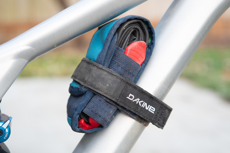 A Pair Silicone Road Bike Bicycle Handlebar Strap Fixing Ring Elastic Loop Tool