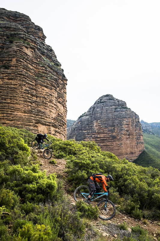 Rafa and Daniel roll the fast and loose Salto del Roldan trail named after a legend about a horseman leaping between the rock towers in a single bound.