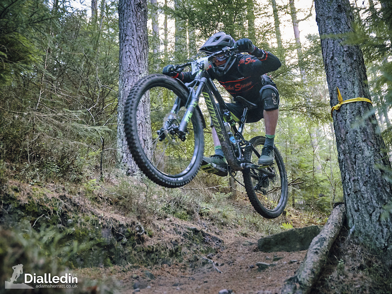 Race Report: Danny Hart Wins 2019 Northern Downhill Kick Off