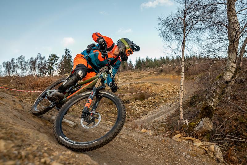 Race Report: Danny Hart Wins 2019 Northern Downhill Kick Off