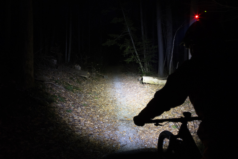 Night Running Mini Round Shoes Clip LED Light Cycling Sport Bright Warning Lamp