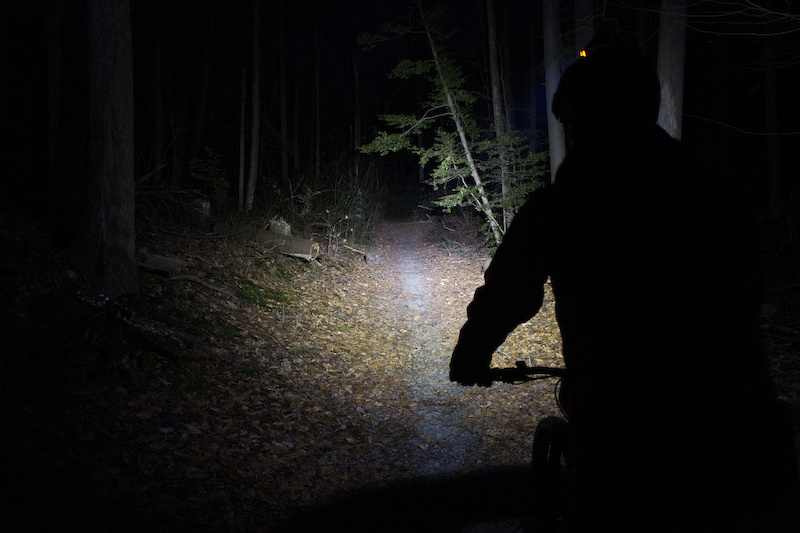 7 of the Best Mountain Bike Lights Ridden & Rated - Pinkbike