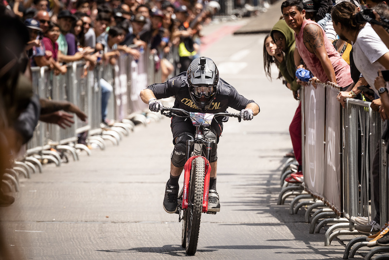 Winning POV Run & Highlights Reel from 2019 Red Bull Valparaiso Cerro Abajo Urban DH