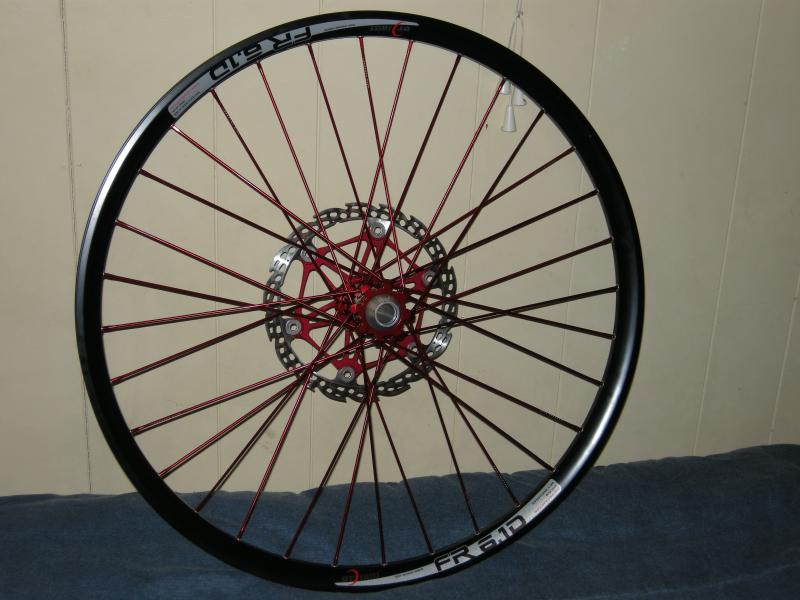 New Industry Nine front wheel, with Hope Saw-blade floating rotor.