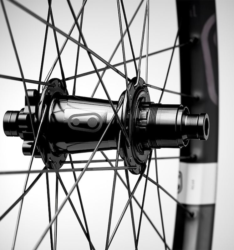 Crankbrothers Partners With Industry Nine On Synthesis 11 Carbon
