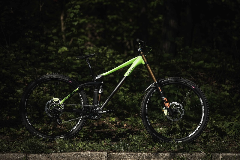 Bike Check: Phil Atwill's Cube Two15 HPA 29 - iXS European Cup: Round 1 Maribor