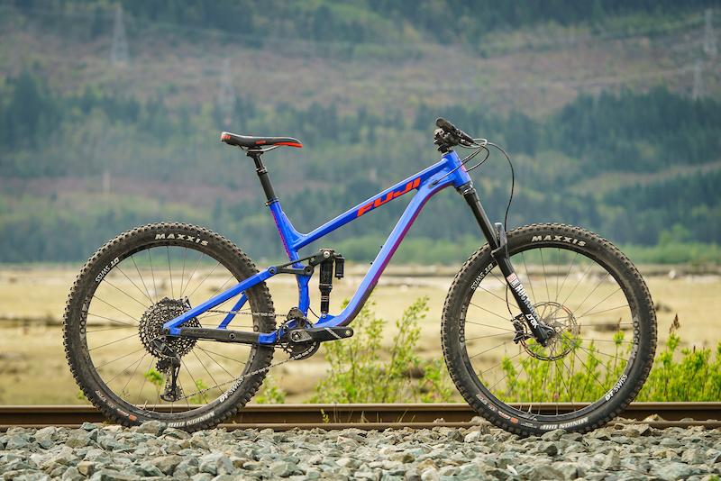 Review: Fuji's 2019 Auric LT Enduro Bike is Surprisingly