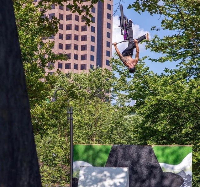 A stylish flip one foot can from the #1 rider of the weekend, Brayden Barrett-Hay