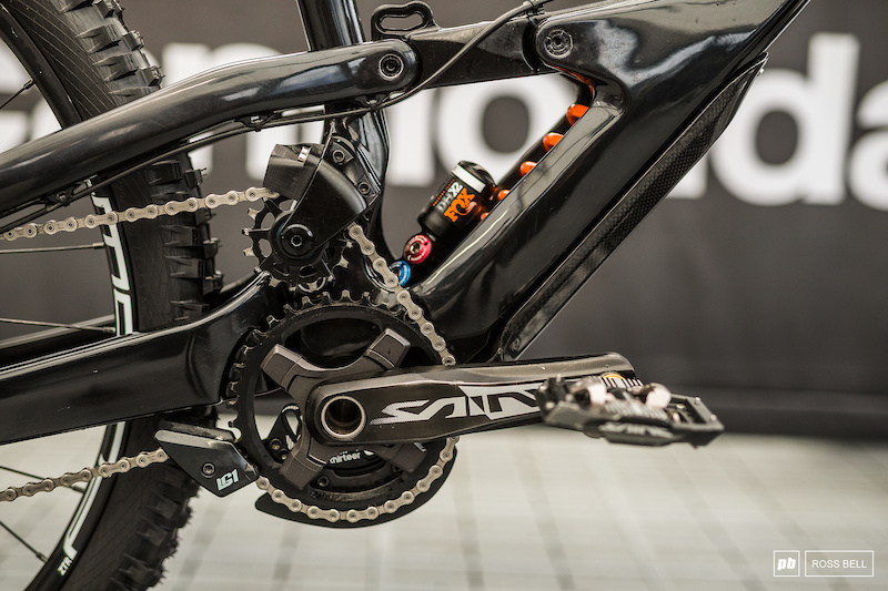 Cannondale's Split-Shock DH Bike Explained - Fort William DH World Cup 2019 - Pinkbike