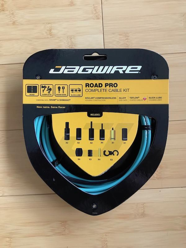 Jagwire Pro Brake Cable Kit Road SRAM//Shimano Bianchi Celeste