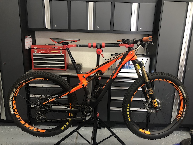 Scott Genius 700 Tuned Plus - 2018 Vital Bike of the Day