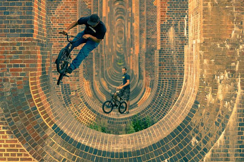 Les riding one of 37 mini half pipes. © Mike Deere.