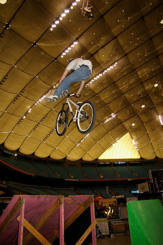 Shreddin the jumps. No Foot Can